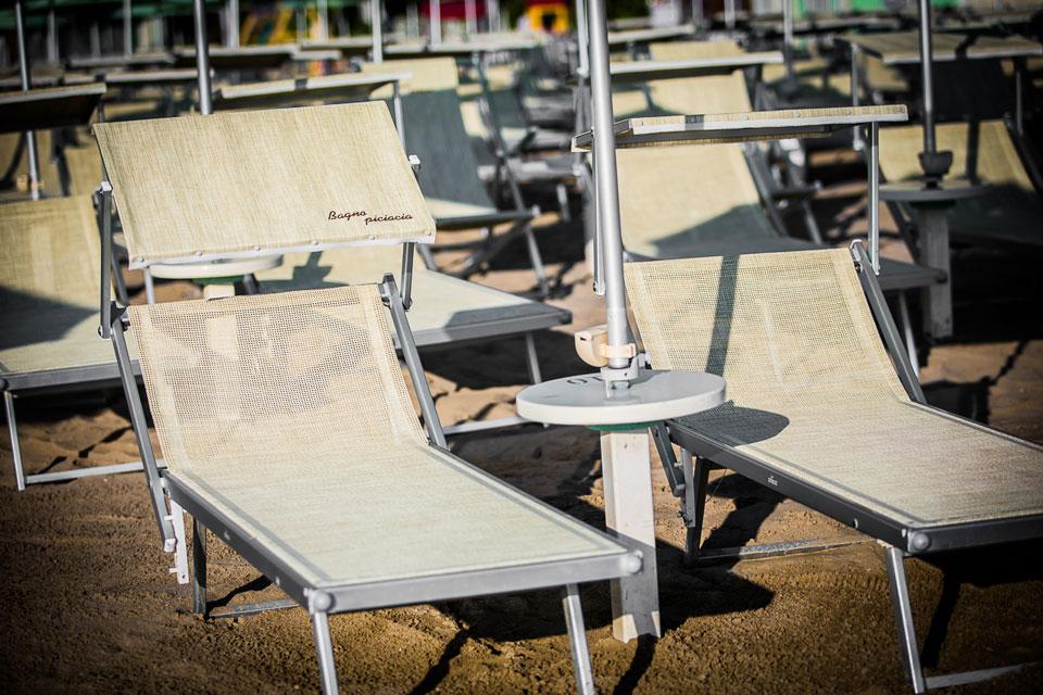 paletti-ombrellone-spiaggia